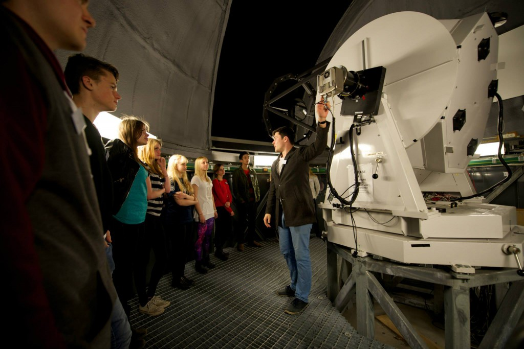 Mikael visar Westerlundteleskopet