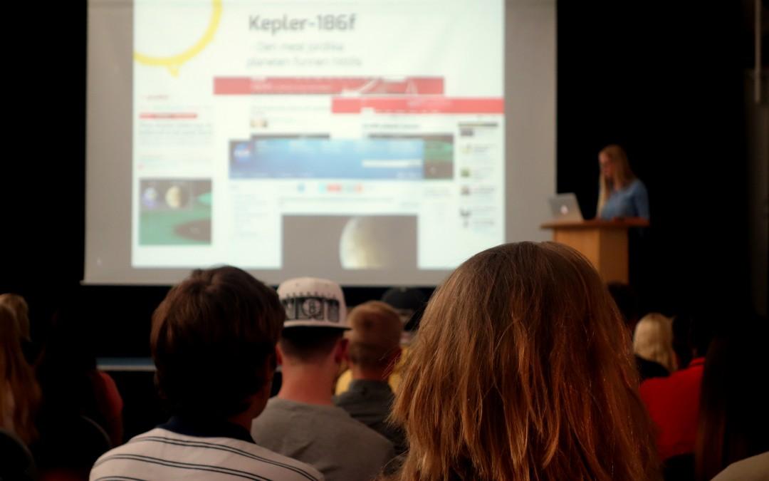 Högstadielever filosoferar med Astronomisk Ungdom