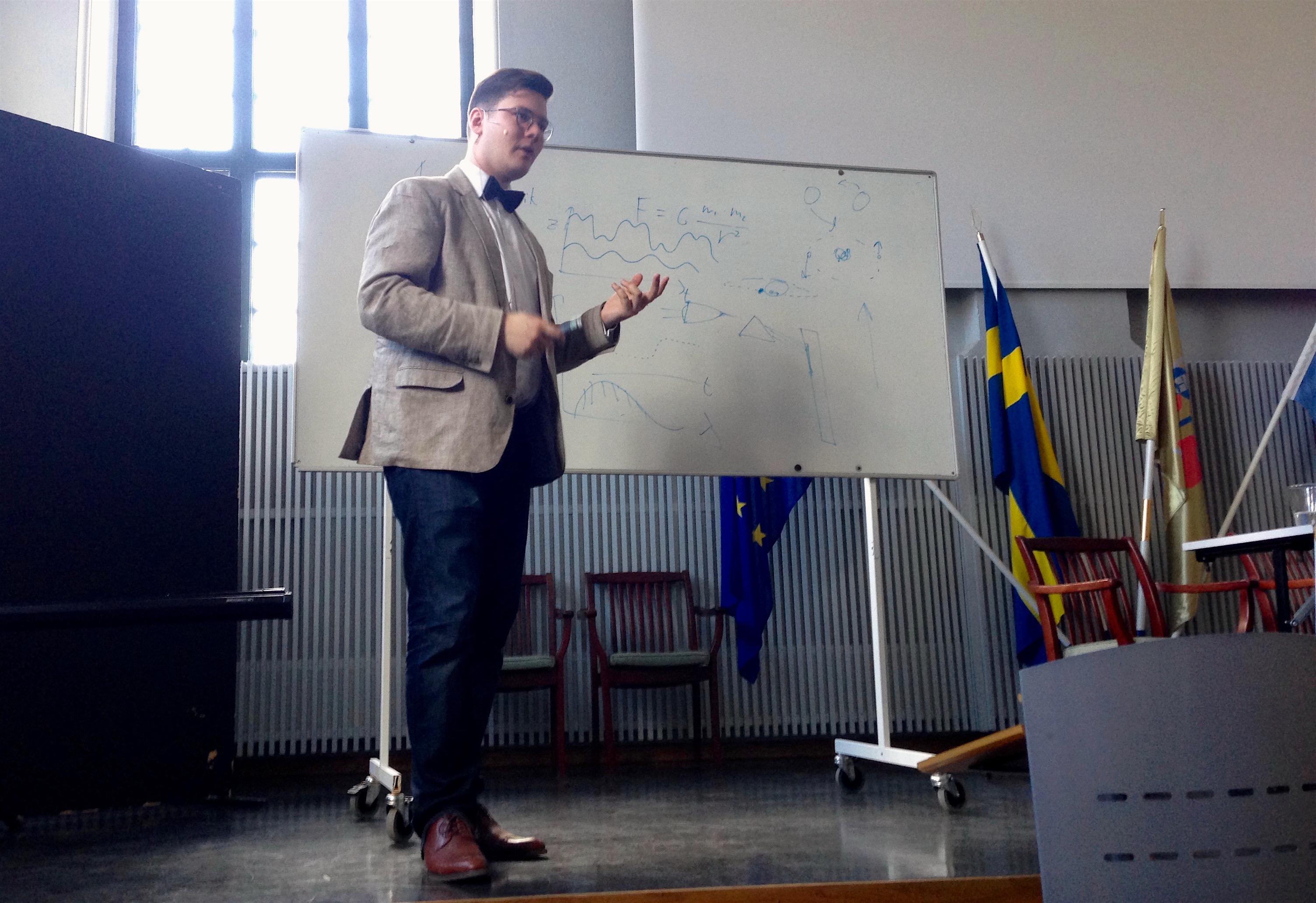 Mikael Ingemyr föreläser på Europaskolan
