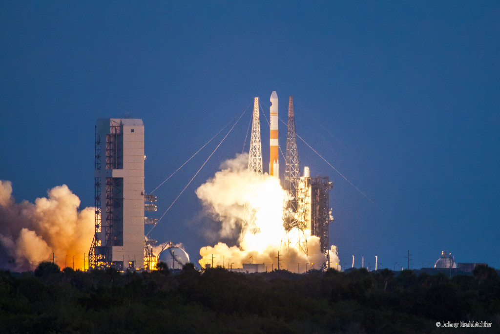 Delta IV rocket © Johny Krahbichler