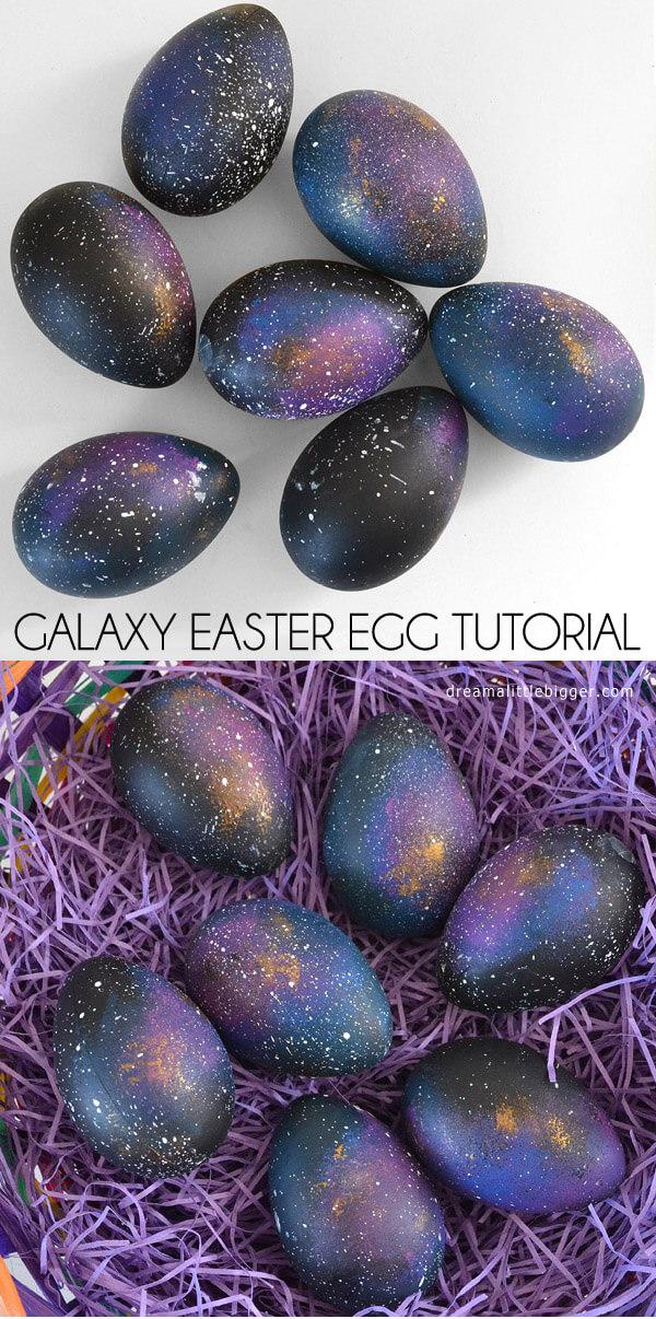 Dekorera dina påskägg som galaxer!